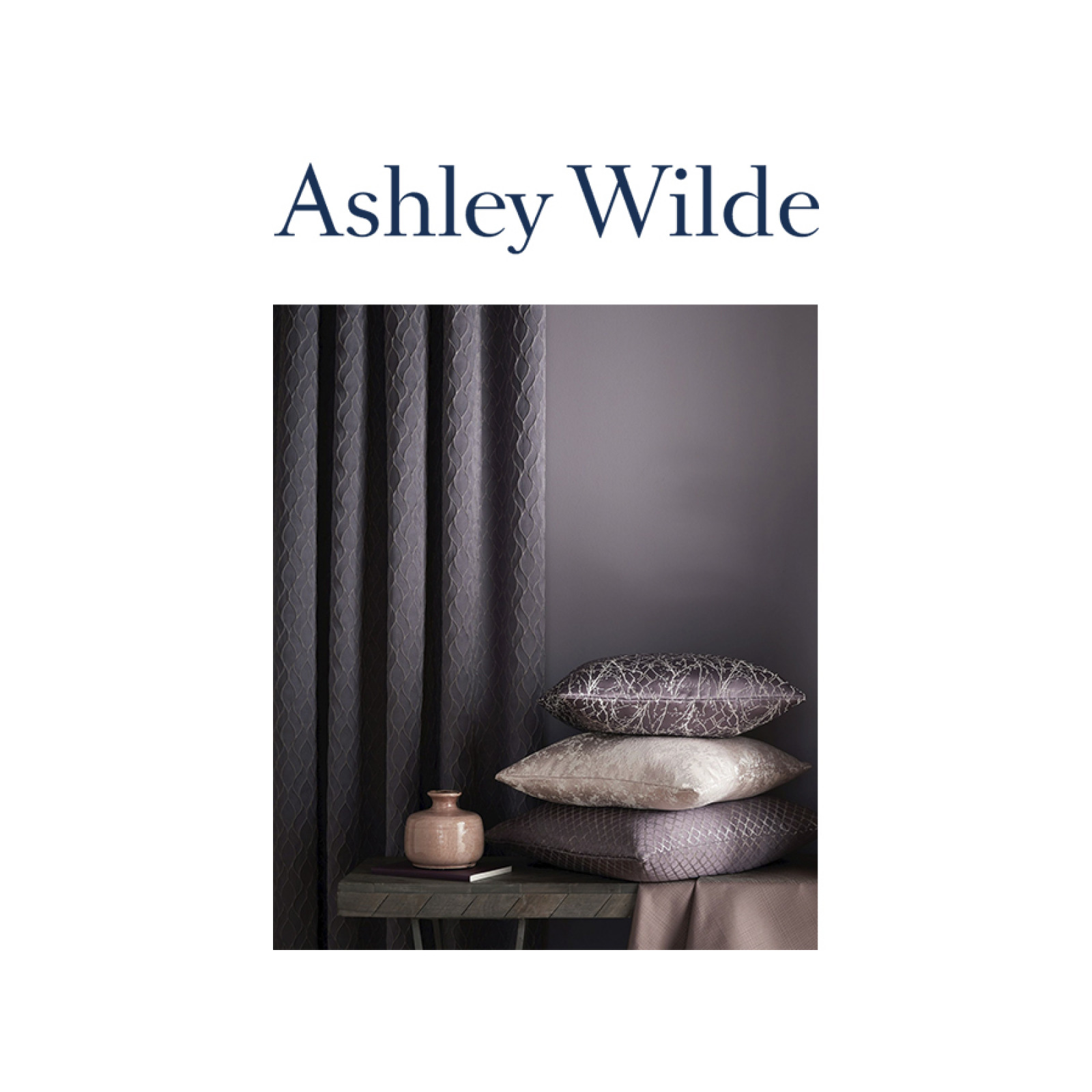 Ashley Wilde - Essential Weaves II. textilek